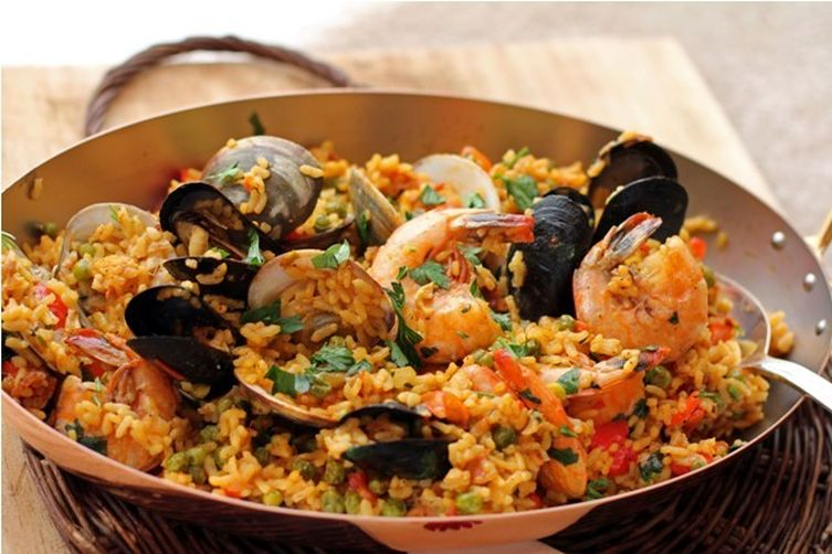 easy seafood paella recipe in