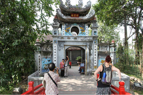 Hoan Kiem Lake & Ngoc Son Temple in Hanoi