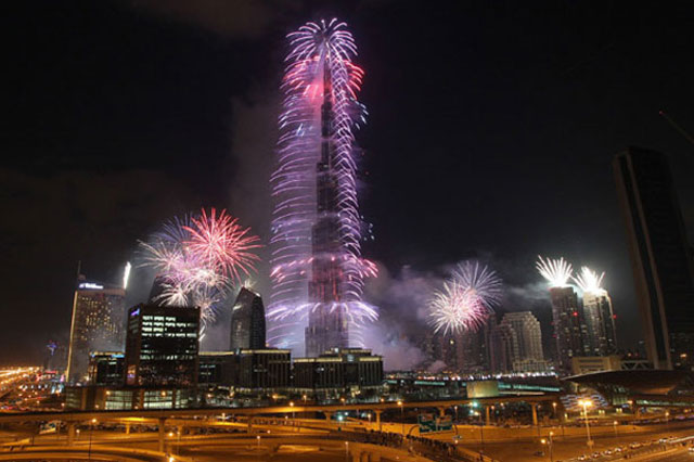 Burj Khalifa takes centre stage to welcome 2015