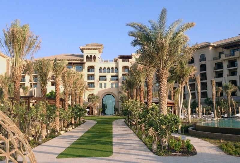 Four Seasons Resort Opens in Dubai at Ju