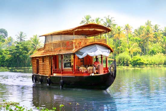 Kerala aims for 10% growth in tourist arrivals in 2016