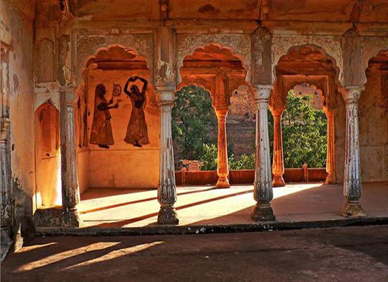 Rai Parveen Mahal Orcha