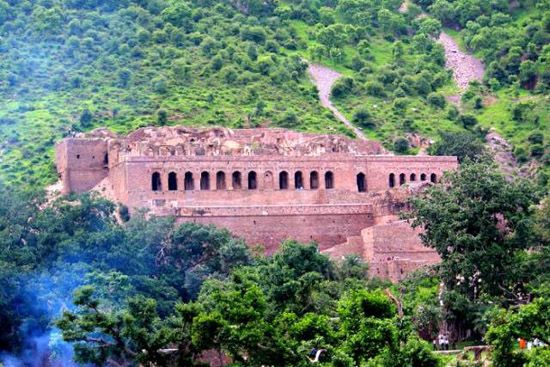 The Haunted city of Bhangarh