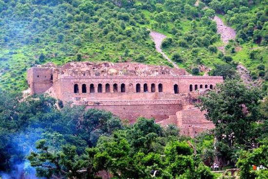 The Haunted city of Bhangarh