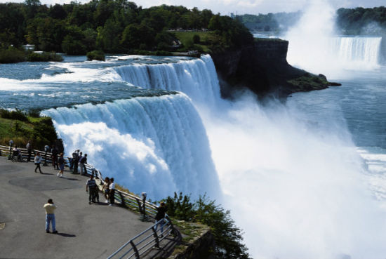 Why To Choose Niagara Falls For Your Next Vacations