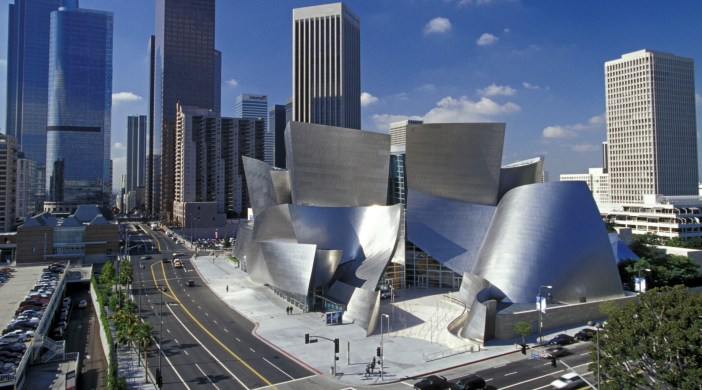 Los Angeles set to break tourism visitor record