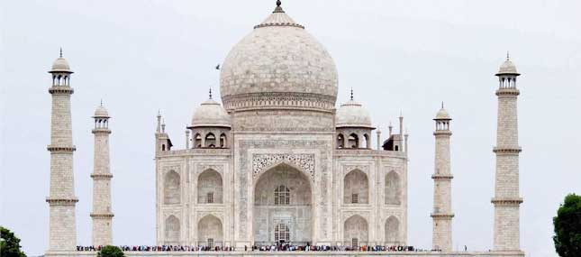 Foreigners in Agra can dial 100, to summon a cop for safety