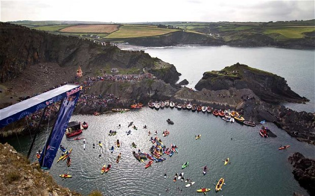 A dramatic Cliff-diving contest to return to Wales