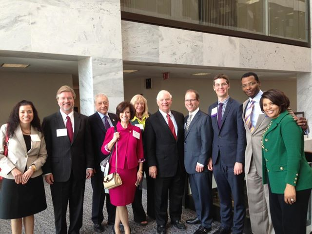 Travelers to Congress:Invest i