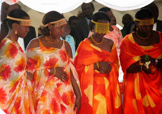 Baganda Marriage, Costumes