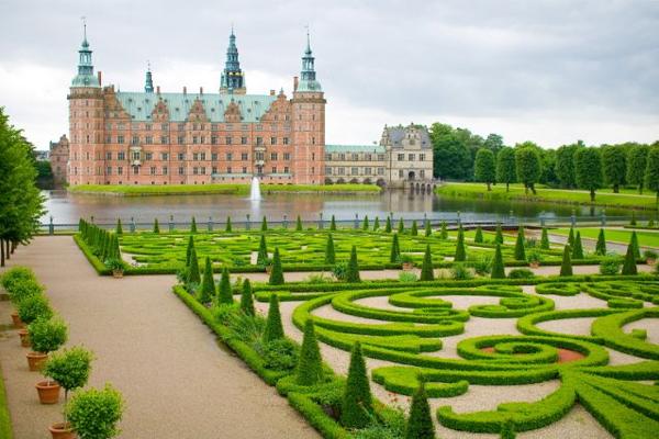 Frederiksborg Castle, Hiller�d