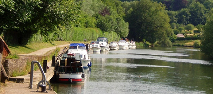 Travel in the Thames Valley on Monday