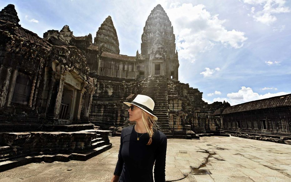 world youngest woman to travels every country on the earth