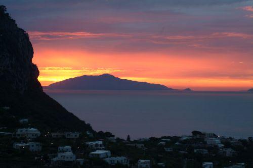 An Unforgettable Sunset on Capri Island