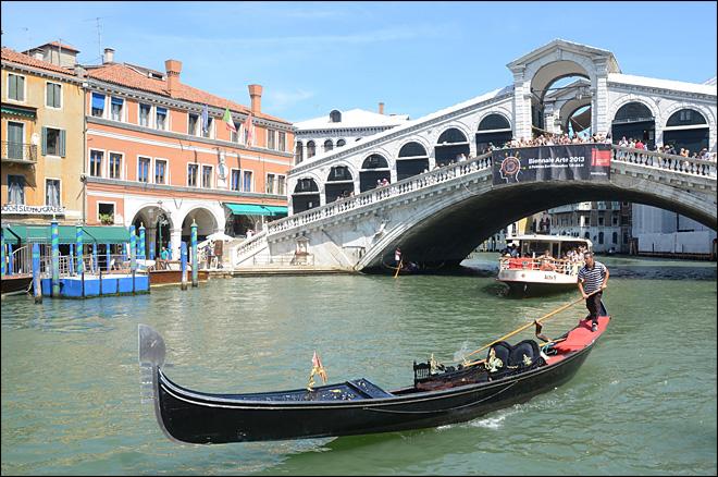 German tourist dies in Venice gondola accident