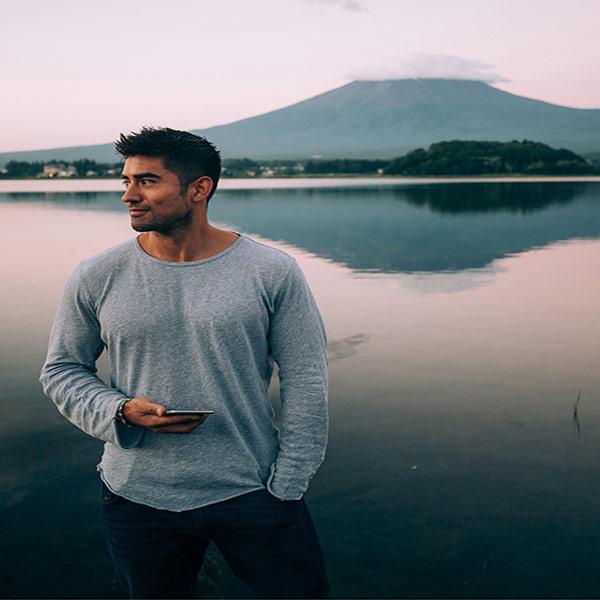 Jeremy Jauncey Instagram biggest travel community man share