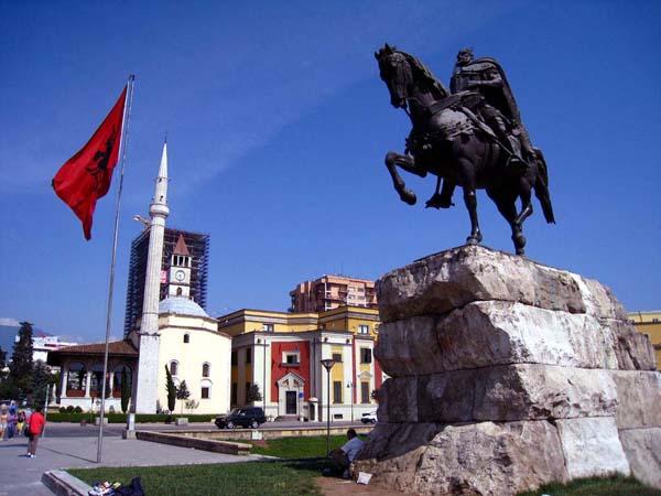 Tirana Sightseeing