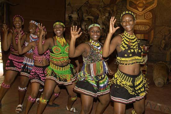 Lesedi - dancing girls