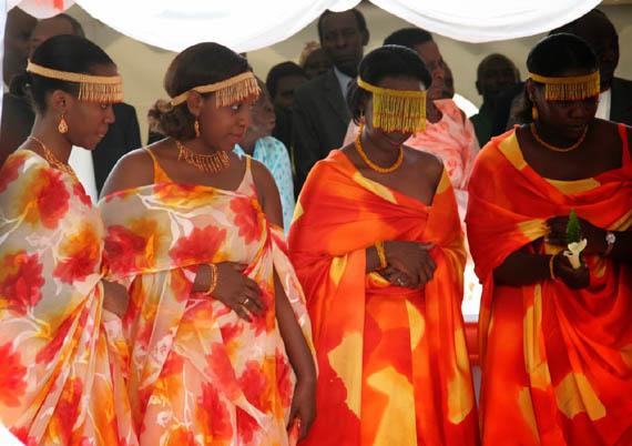 Baganda Marriage, Costumes